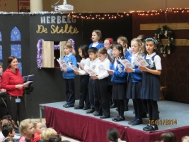 2014-12-16_Choir_on_stage3_Xmas_carols_British_School_Junior_at_De_Zonnestraal_KNJ_De_Bras-Biesland_2014-1.JPG